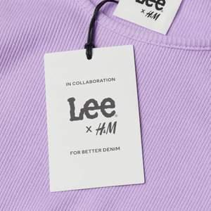 Säljer min Lee X HM tröja då den var lite för liten för mig den är aldrig använd och prislappar finns kvar