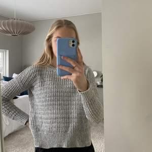 Grå grovstickad tröja från Abercrombie i stlk 11/12