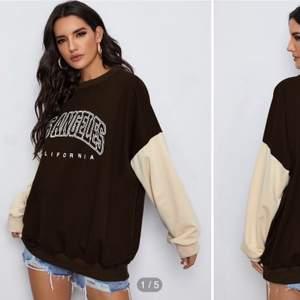 Säljer en brun sweatshirt med vita ärmar. Den är oversized. Buda vid intresse, start: 100kr+frakt💗 (bud ligger på 170kr+frakt)