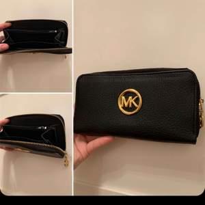 superfin mk plånbok i superbra skick går att fraktas oxh mötas upp