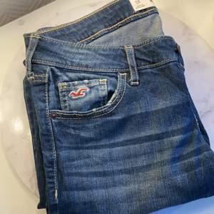 Superfina hollister jeans, information om storlek är på sista bilden, lågmidjade och superfina😍