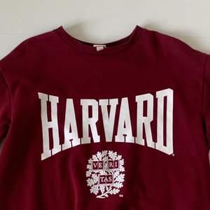 Harvard hoodie, nästan aldrig använd, fint skick