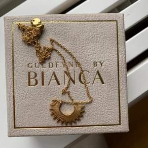 Oanvänt halsband från guldfynd x Bianca. Förgyllt silver, nypris 799:-