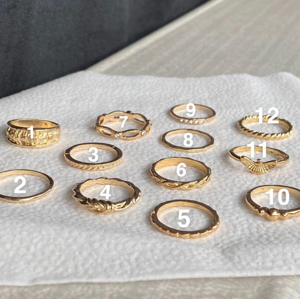 Super fina ringar🤍 kom privat för att veta mm✨ 1 ring- 35kr 2 ringar- 65kr 3 ringar- 95kr ~ring (1) är såld. Accessoarer.