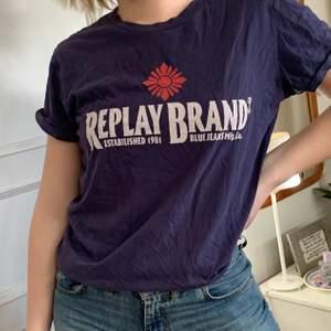 Lila T-shirt, bra skick!