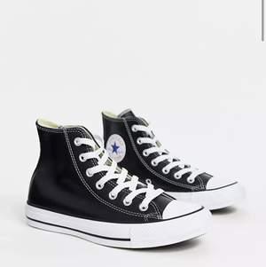 Helt nya Converse i läder 😍😍 använda 1 gång