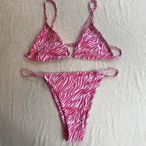 Superfin bikini med justerbara axelband! Endast testad, säljer pga inte min stil. Storlek XL men skulle säga att den även passar M-L. Köparen står för frakten.