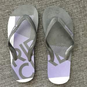 Beach flip flops - worn once