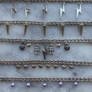 Nu säljer jag massa nya handgjorda smycken! Halsbanden kostar 99kr och örhängena kostar 39kr + 11kr frakt! Dock ingår frakten vid köp av två smycken eller mer! Hoppas att ni vill köpa!💞