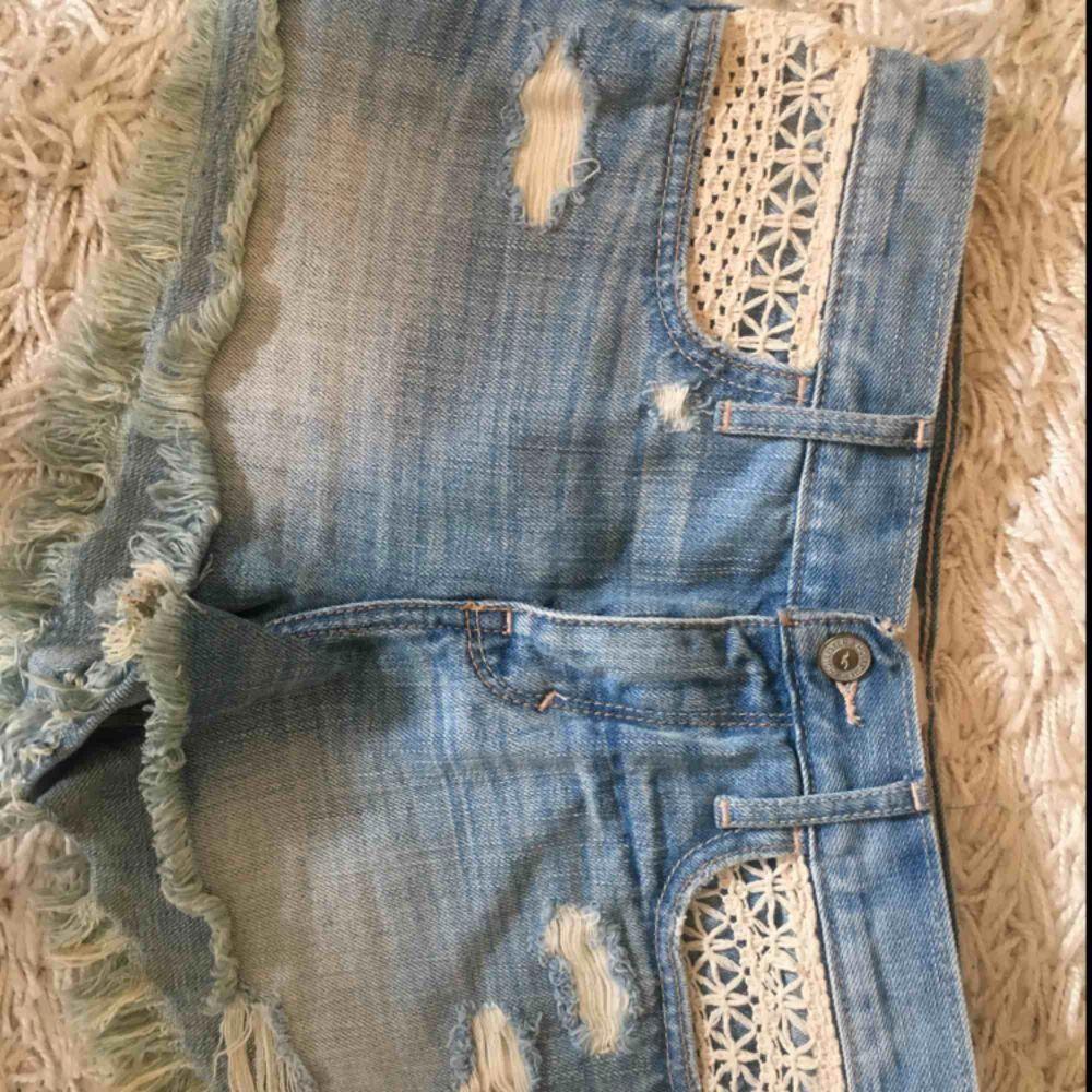 Fina short från hollister. . Shorts.