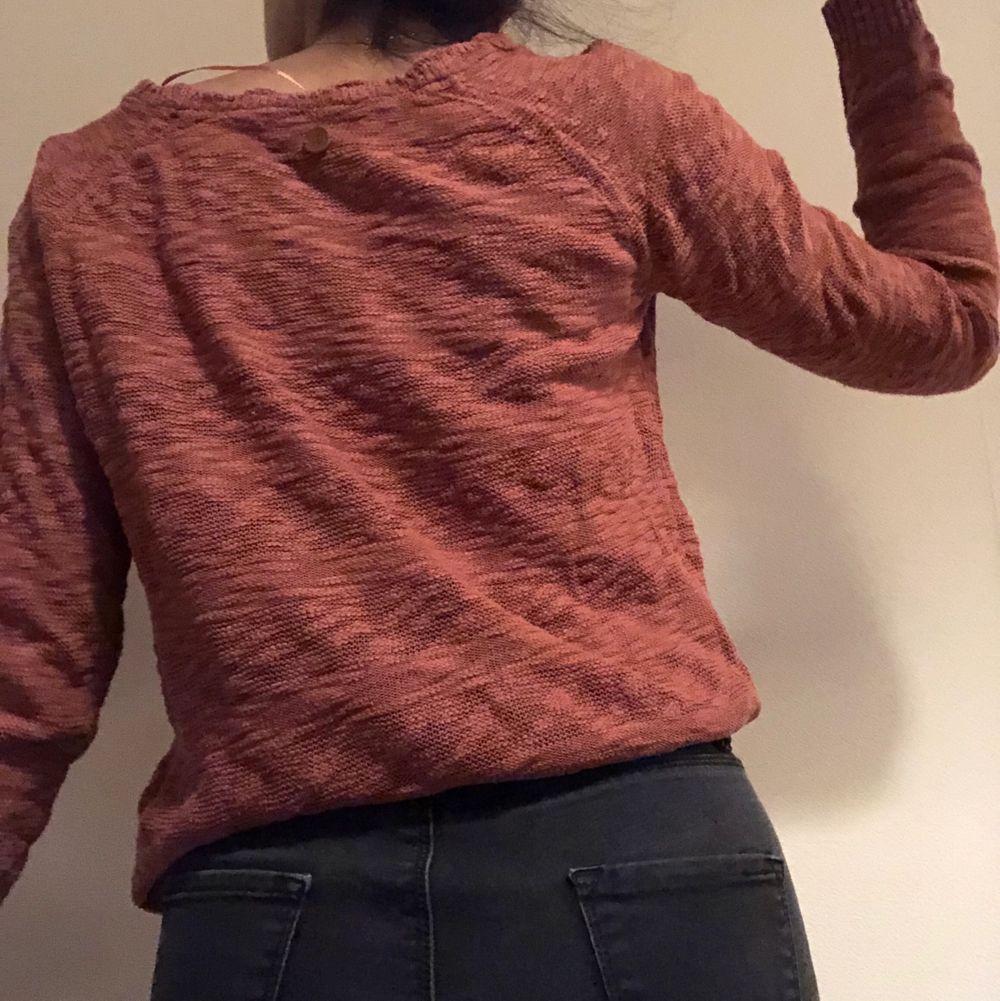 Elegant stickad tröja från s.Oliver. Har bara använt ett par gånger. . Stickat.
