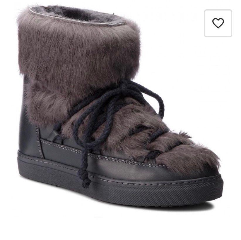 Nyinköpta inuikiis men dom är för små för mig, använda cirka 5 gånger så ser helt oanvända ut! Köpta för 3800kr. Budgivning från 1700kr.. Skor.