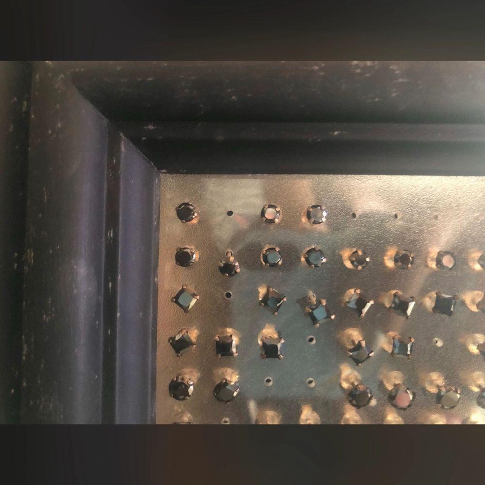 Äkta silver örhängen från Laboro. Säljes i par eller en för en. Sjukt fina smycken som puttsas lite extra innan de skickas till dig. Extrem kvalitet och modell. Lågt pris!!!!!!. Accessoarer.