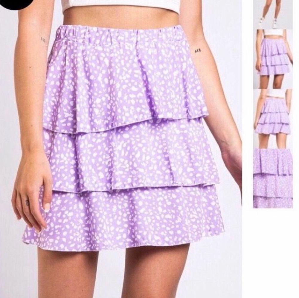 Finaste kjolen från madlady!! Beställde i både S och M så säljer den i storlek M som jag inte ska ha. Lappar kvar helt oanvänd!💖. Kjolar.