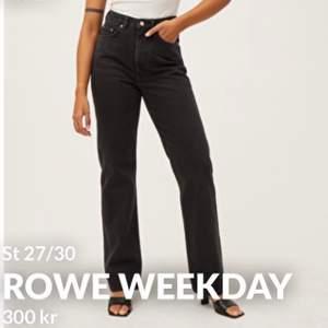 Säljer de här populära byxorna från Weekday i min absoluta favorit modell Rowe! Köpta här på plick nyligen men råkade köpa fel storlek! Kan skicka fler bilder. Köparen står för frakt!