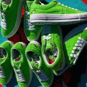 golf le fleur* x grinch a 100 pair in the world. we got EU size 41,42,43, and 44. (size 41,12000sek size 42, 27000sek size 43, 7300sek and size 44, 11900sek) willing to buy DM me