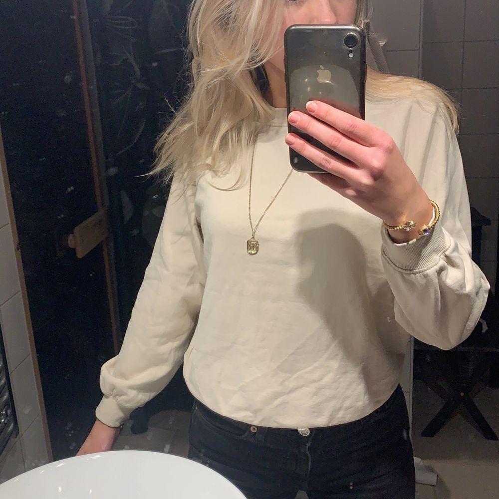 Beige sweatshirt från Cubus storlek xs. 70+frakt💗. Tröjor & Koftor.