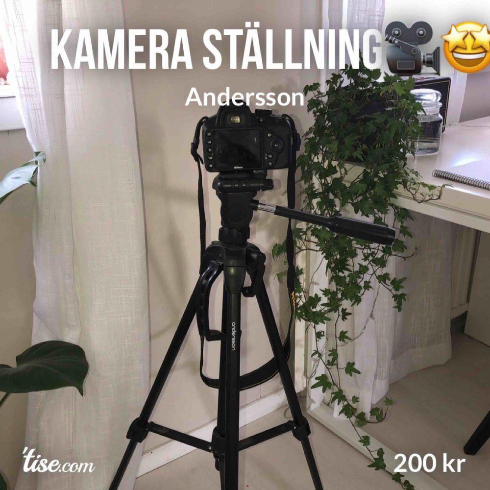 Säljer min kamera ställning för 199kr, fick den som födelsedagspresent.🥳  Mycket bra skick, märke Andersson.  Max Höjd: 151 cm Minsta höjd: 58,5 cm Max vikt: 3kg 360 grader rörelse  Priset kan diskuteras🥰 . Övrigt.