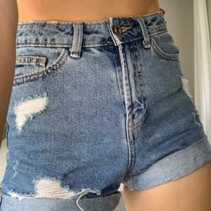 Denim shorts from pimkie, super comfortable!! Bought for 300 kr selling for 200 kr