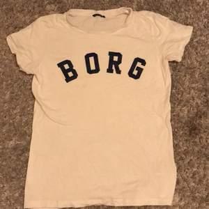 Budning på en Björn Borg tröja💗💗 börja från 100;- uppåt