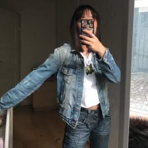 cool jeansjacka från zara💓