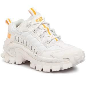 Asballa rejäla skor från Caterpillar, inte alls mycket använda. Säljes på grund av att de endast står och tar upp utrymme. Perfekta höst och vinterskor. Om fler bilder önskas så skriv privat! Köparen står för frakt.