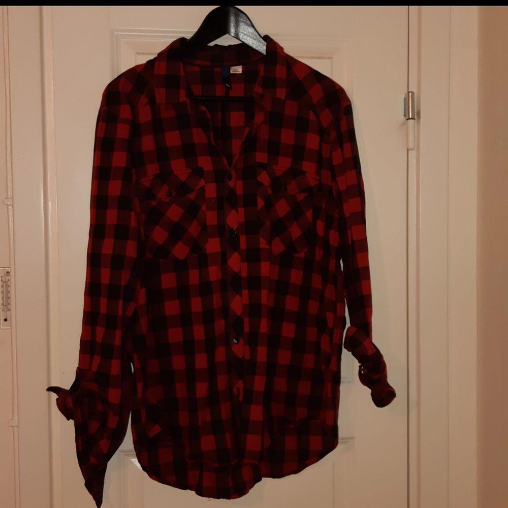 Skön och slapp skjorta från H&M. Skjortor.