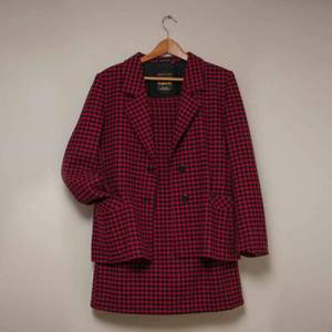 Fougstedts 1970's blazer and skirt set.  Fine clothing since 1857.  In raerly good condition.
