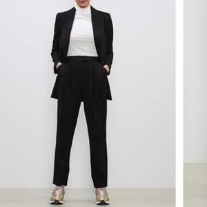 Svarta kostymbyxor från Bikbok i storlek 36. Endast testade. Betalning sker via swish ⚡️