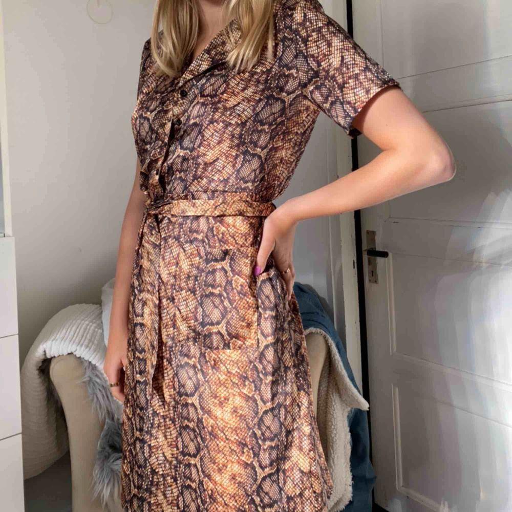 Jätte gullig klänning från nakd köpare står för frakt 44kr . Klänningar.