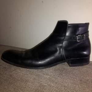 Känn dig välklädd med dessa mkt fina herr skor Rizzo Italiensk skinn design knappt använda St 45