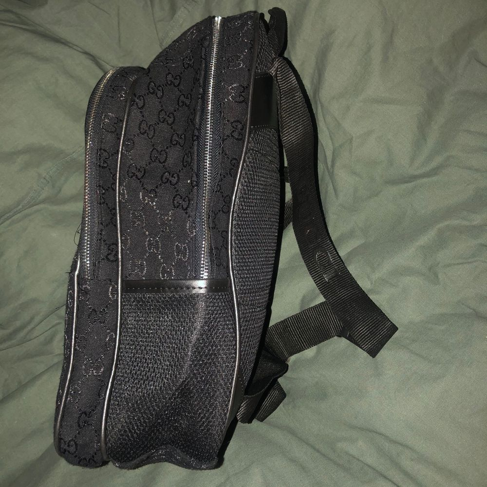 Ej äkta! Gucci ryggsäck. Aldrig använd. Pris kan diskuteras annars högstbjudande. . Väskor.