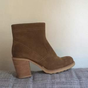 New vagabond shoes size 38. Only used once! Can meet up in gothenburg or ship for an extra cost. Cash eller banköverföring!