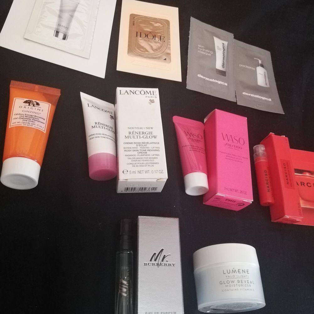 Säljer olika hudvårdsprodukter/parfymer som inte kommer till användning. Fick sakerna tillsammans i en giftbox. Vissa saker är endast provade och resten är aldrig använda. Säljer också en necessär som är genomskinlig (ny). Kontakta mig för mer info/pris! . Övrigt.