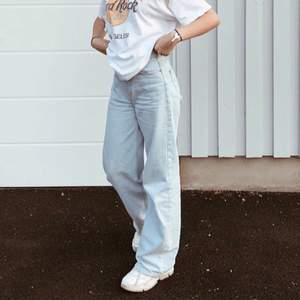 Wide leg jeans från Junkyard, kommer inte till användning längre därför säljer jag, jättefina utan fläckar och slitningar