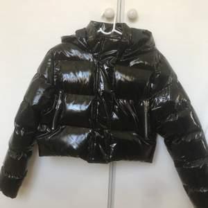 Jackan är som ny och köpt från boohoo. Köparen står från frakt😊🌸