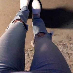 Fina bootcut jeans från cubus, skulle säga att de är som en XS, frakt tillkommer på 63kr!!!💖💖