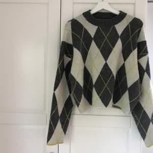 En stickad tröja från hm. Jätte enkel som passar till allt. Perfekt för skolstarten och hösten!💖