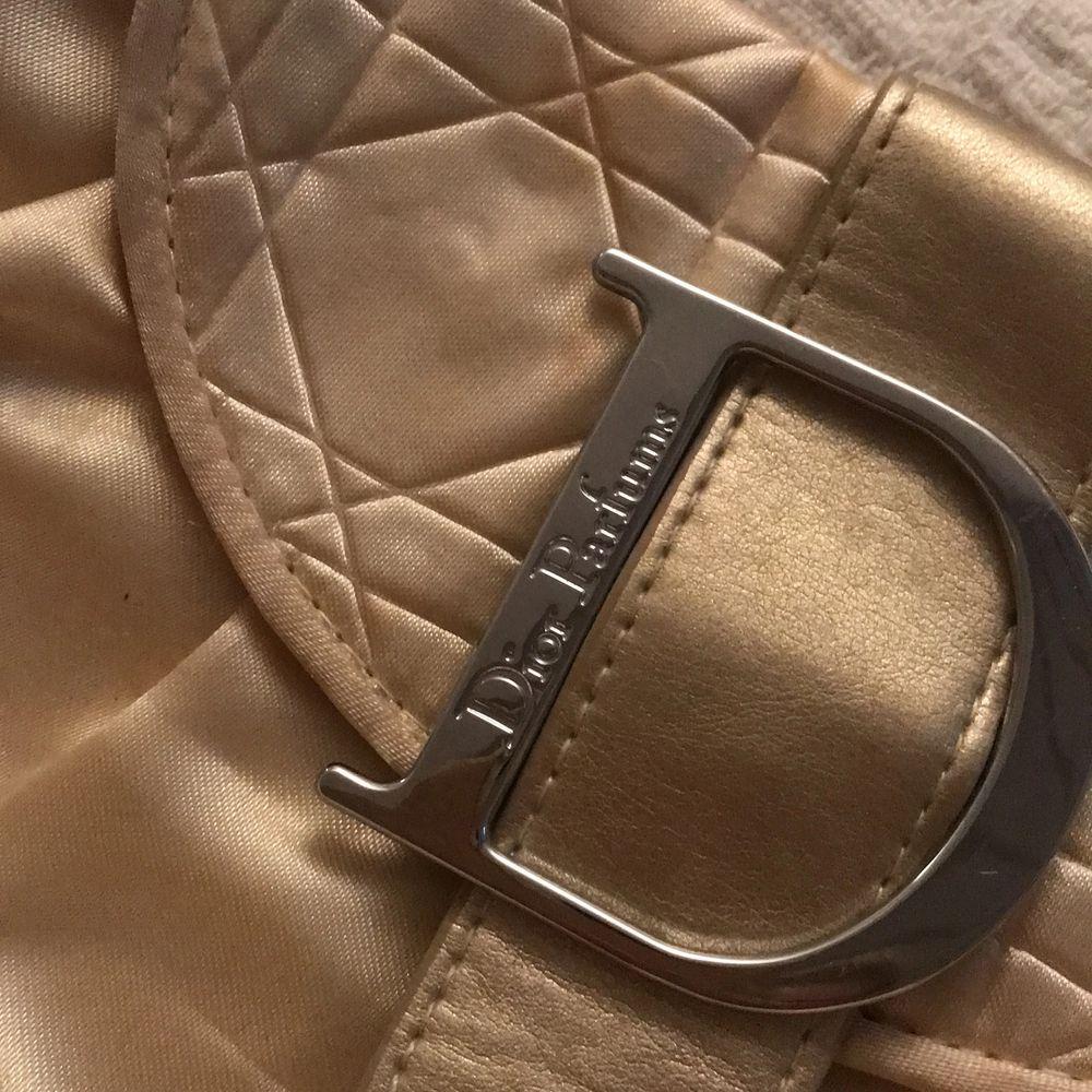 söt vintage aktig väska från DIOR, nästan aldrig använd . Väskor.