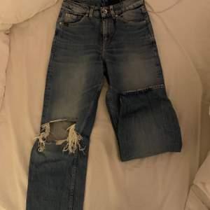 jättefina jeans från Tiger of sweden i storlek 25/32 precis som nya. jag är 170