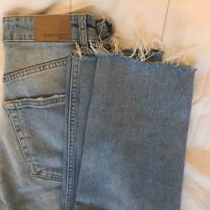 jeans från gina tricot i storlek 36 köparen står för frakten🥰