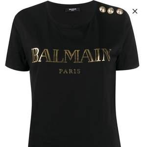 Äkta Balmain t shirt, kvitto finns. Köpt på farfetch