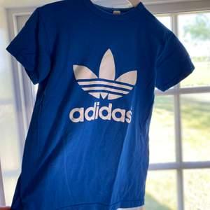 Adidas frakt ingår i priset