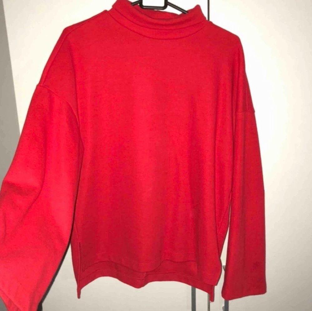 Mysig och fin röd tröja från Gina tricot❤️. Tröjor & Koftor.