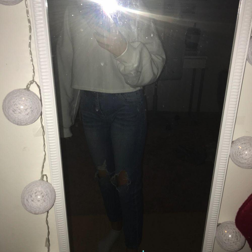 Jeans som jag inte vet vart dom är ifrån men svin snygga, fast tyvärr för små för mig💕 Storlek Xs            Pris: 60kr💕 Hör av er för fler bilder💕. Jeans & Byxor.