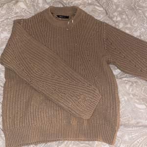 Säljer min tröja från Gina Trocot, väldigt skön till hösten/vintern och våren