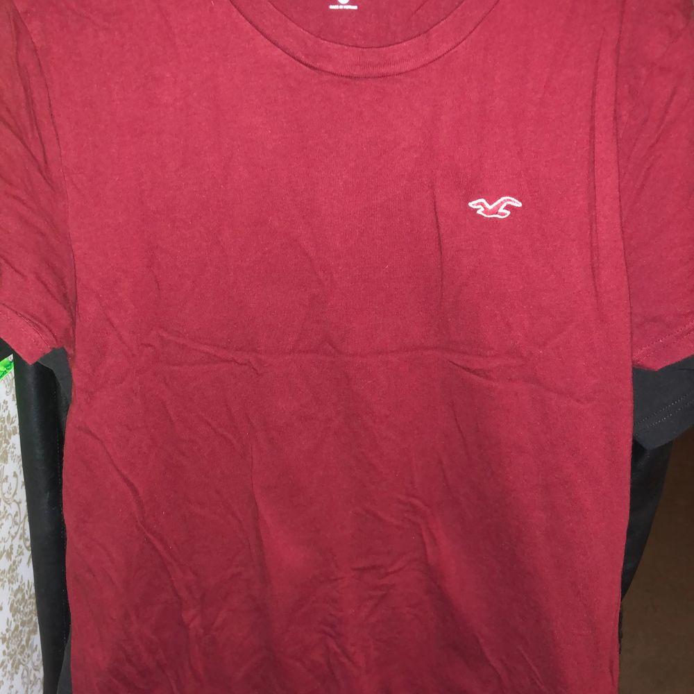 Storlek S. T-shirts.