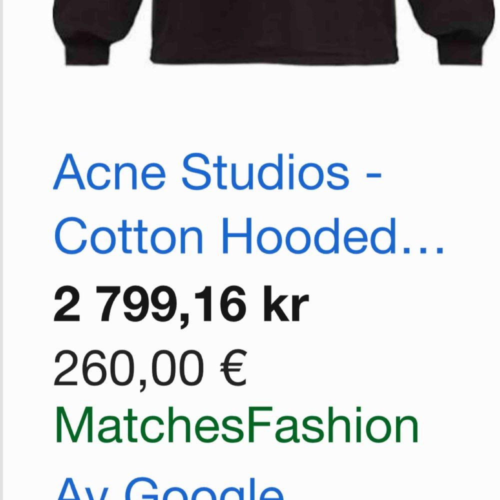 Acne studios hoodie, använd typ 4-5 ggr. Köpt på sotostore. Nypris 2799. Pris kan absolut diskuteras vid snabbt köp. Huvtröjor & Träningströjor.
