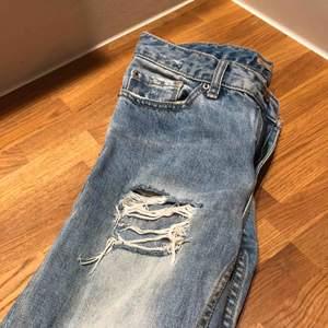 Slitna jeans från pull&bear