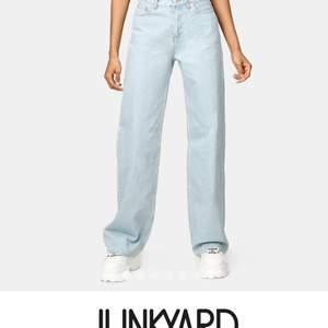 Säljer mina jeans från junkyard, ser helt nya ut eftersom jag knappt använt dem!